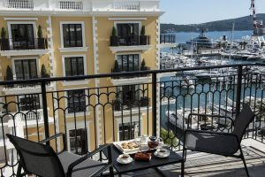 Regent6-Montenegro-62085499-H1-'Noon_time_on_the_the_terrace